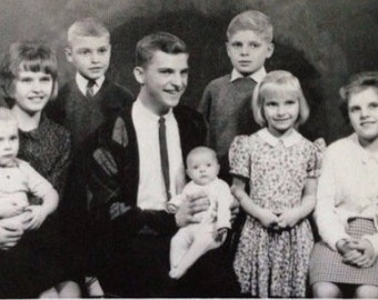 Interesting Original Vintage Photograph Large Family Studio Portrait 1964