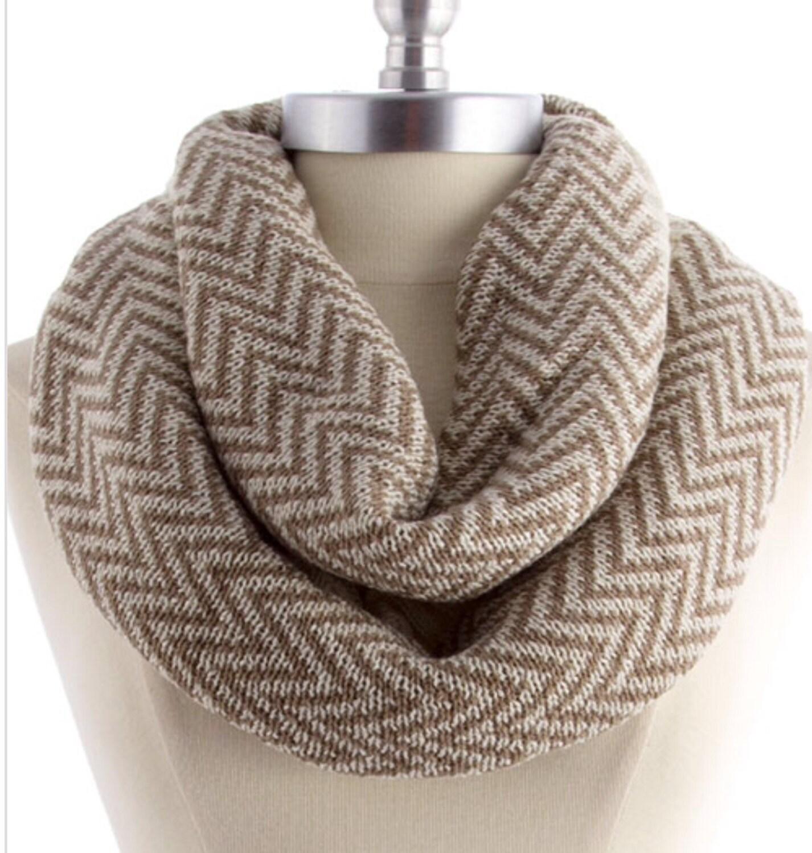 Knitting Chunky Scarves : Chevron knit scarf chunky neckwarmer infinity