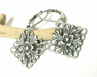 Silver Flower Earrings, Simple Everyday Silver Earrings, Silver Dangle Drop Earrings, Flower Jewelry Gift for Mom from Daughter Under 20