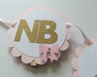 1st Year Photo Banner in PINK and GOLD. Photo Display 1st Birthday. Gold Heart Banner with Photo Clips.Scallop Photo Banner.13 Months