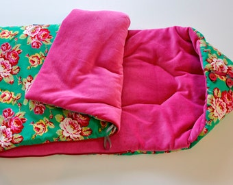 SALE Sleeping nest for Maxi Cosi 'Roses'