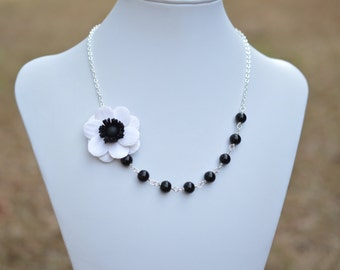 Black and White Anemone Flower necklace, anemone Flower necklace, Black and White Flower Jewelry,