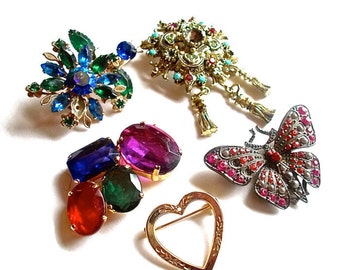 Destash Brooches Lot Vintage Up cycled Jewelry Findings for Assemblage