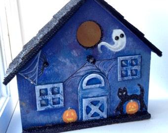 Halloween house Haunted hand-painted Birdhouse