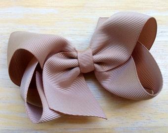 Tan hair bow - khaki hair bow, 4 inch bow, boutique bows, girl hair bows, tan hair bows, girl bows, toddler bows