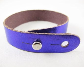 "Metallic Purple Leather Stud Bracelet 5/8"" Wide"