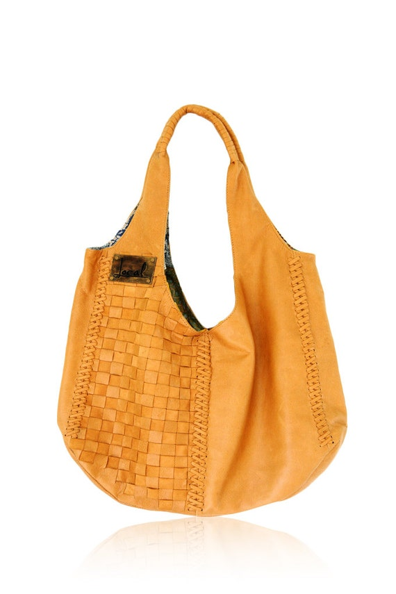 BAHA. Leather tote bag / slouchy leather bag / leather shoulder bag / leather purse / bohemian purse. Available in different leather colors.