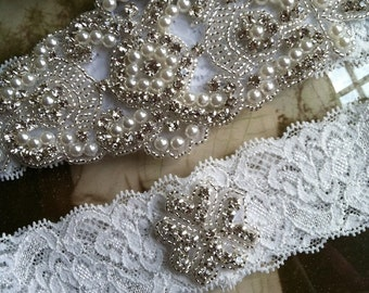 SALE-Wedding Garter-Garters-Bridal White-Garter-Rhinestone-Pearl garter-Keepsake-Ivory-Lace Garter Set-bridal white-off-white