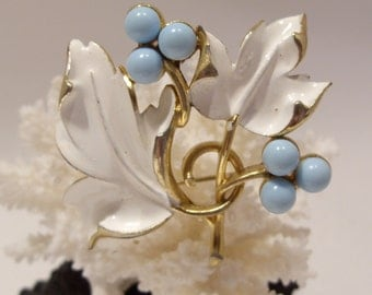 Sarah Coventry Leaf and Berry Brooch