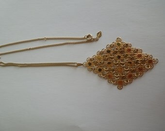 Vintage Sarah Coventry Necklace, Simple Gold Tone Link Chain with a Spectacular Feature