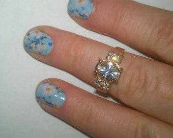 925 Sterling Silver Round Center Stone Ring with Small Rhinestone Accents