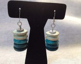 Vintage Costume Teal Wood/Plastic Design Dangle Earrings