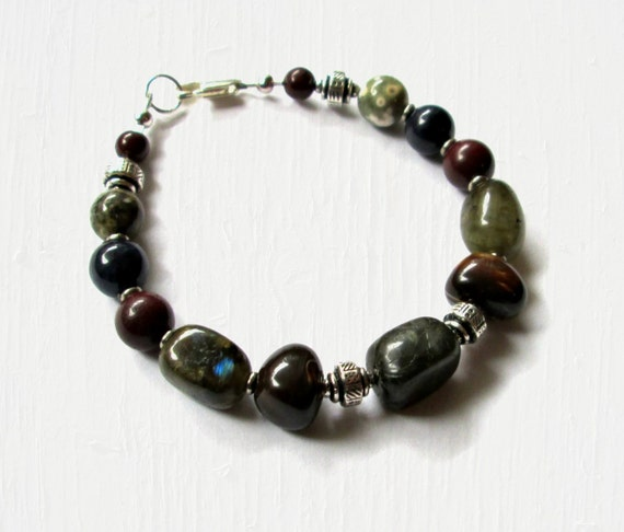 Mens Green and Burgundy Beaded Bracelet 8 1/2 Inches