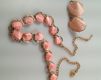 1950s Vintage Pink Shell Thermoset Plastic Choker Necklace Plus Earrings Mid Century Modern