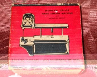 hand sewing machine old fashion
