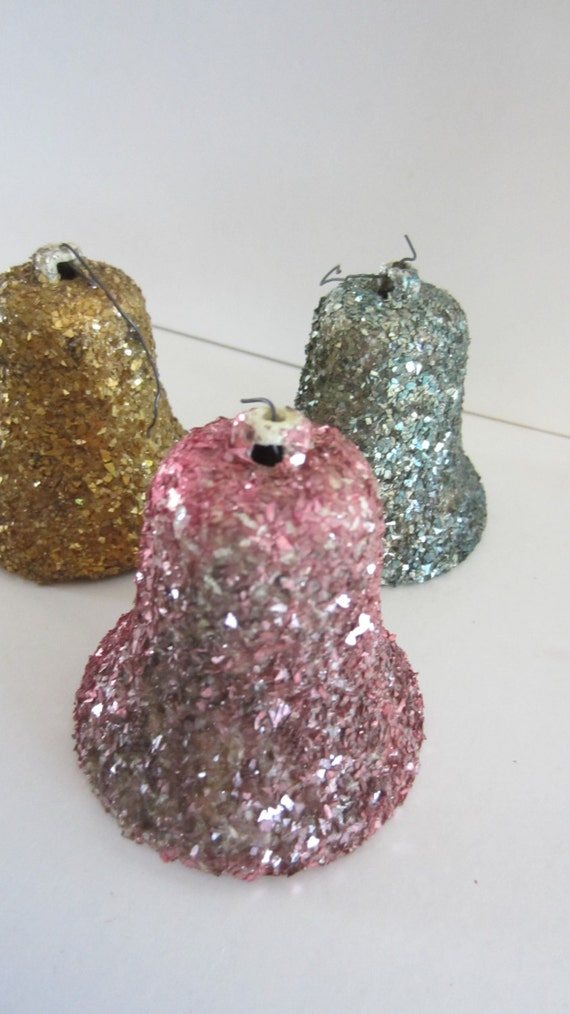 5 Glitter Vintage Bell Christmas Ornaments