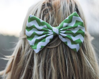 Green Chevron/Zig-Zag Printed Hair Bow
