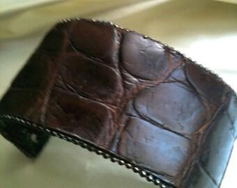 Crocodile cuff, brown, ventage