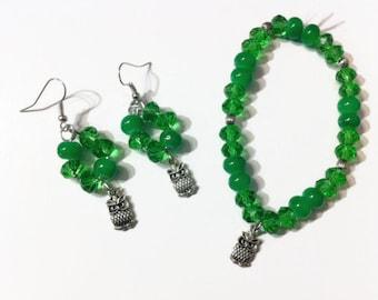 Bright Green Beaded Owl Jewelry Set, Beaded jewelry, owl charms, gift ideas, stocking stuffers, charm bracelets, earthy green, owl earrings,
