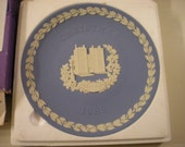 vintage wedgwood blue collectors plate christmas 1982