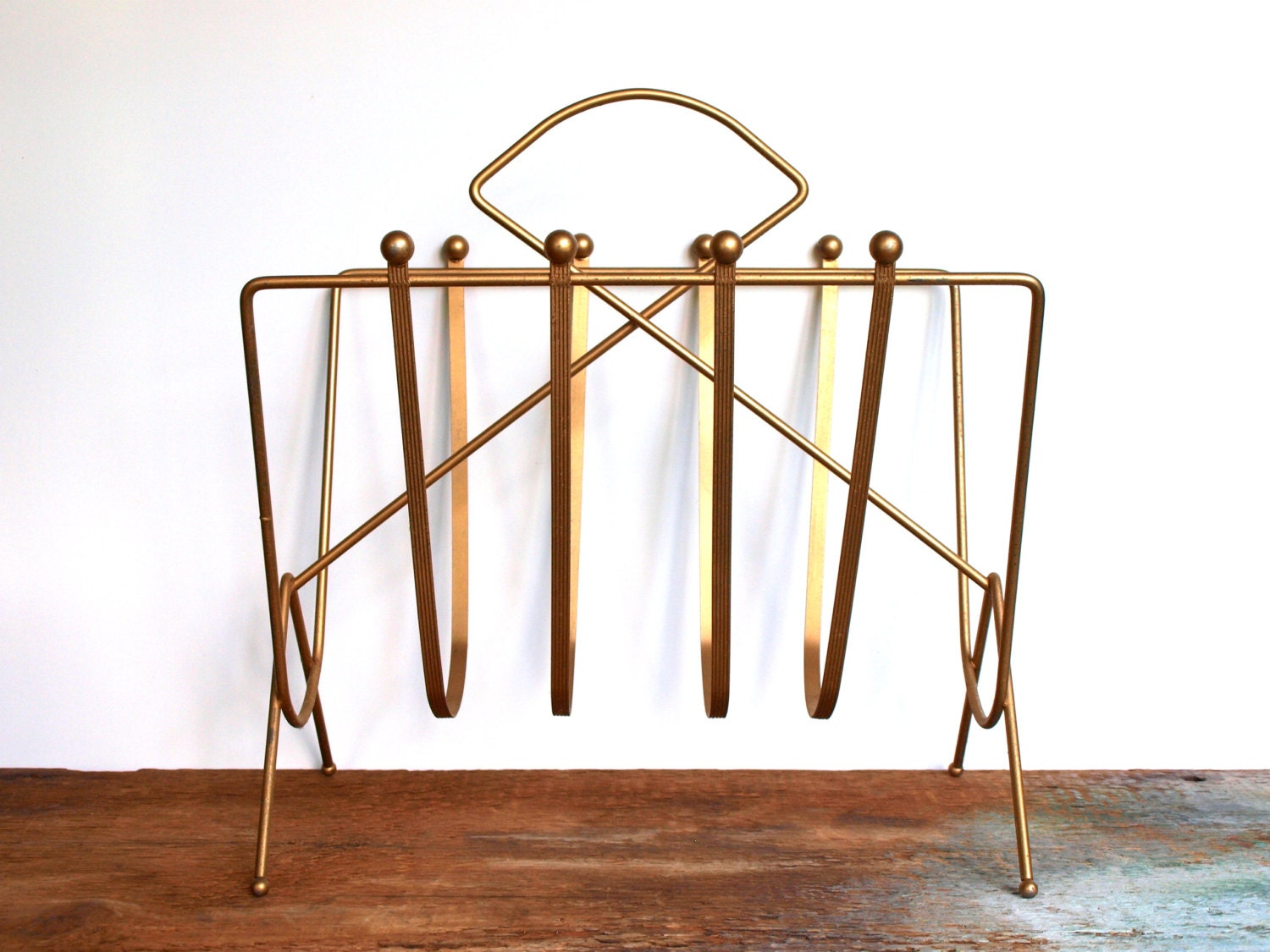 vintage gold wire magazine rack. Black Bedroom Furniture Sets. Home Design Ideas