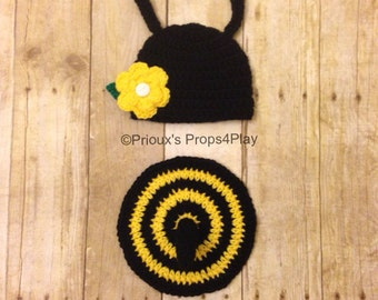 Crochet Photo Prop , Bumble Bee Costume, Bumble Bee Outfit, Bumble Bee Hat, Bumble Bee Cape, Flower Clip, Baby Shower Gift
