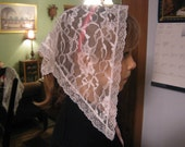 White lace chapel veil with white lace edging for children. Prod.# Zw03