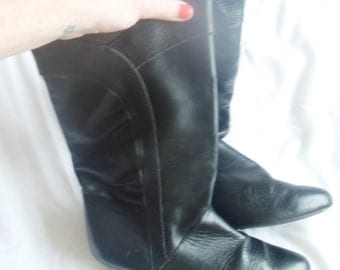 1980s Black leather boots