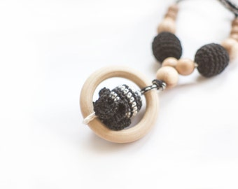 Black Crochet Nursing Necklace with Ring - Breastfeeding Necklace - Teething necklace with crochet beads- Mommy Necklace