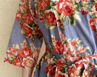 Kimono Robe. Gray. Grey. Dressing gown.Bridesmaid gift.Wedding photo prop. Floral robe.Getting ready robe. Spa robe. Morning wedding robe
