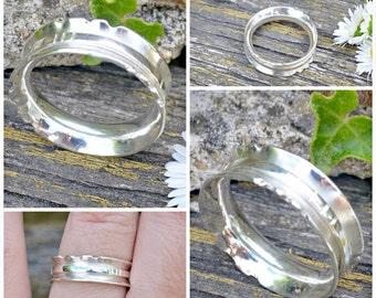Notch spinner - all silver meditation ring
