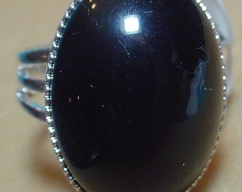 Black glass cabochon ring - adjustable size
