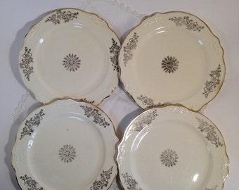 4 Homer Laughlin Plates Gold Trim Ivory, Vintage Shabby Chic Dessert plates Gold Trim Cream F46N8