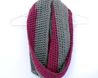 Chunky knit infinity scarf, crochet scarf, winter scarf, chunky neck warmer, Vegan scarf, grey purple scarf, cruelty free