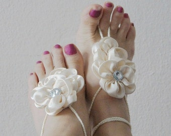 ivory Bridal Bridesmaids flower Beach wedding barefoot sandals, Toe thong Bottomless shoes, Foot jewelry,Wedding Shoes,