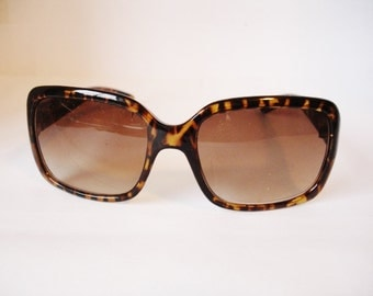 Wow Authentic Vintage  Women's Sunglasses - See our huge collection of vintage eyewear