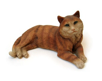 Vintage 1980s cat resin figurine, made in Italy by Castagna - retro collectible, hand painted