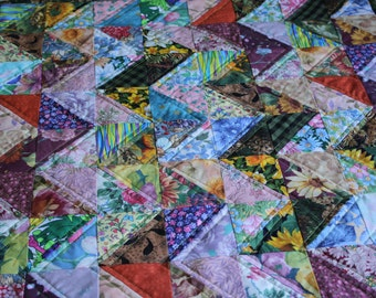 Art Quilt - Zigzag Value Study Quilt ; Chevron Quilt ; Textile Art ; Scrappy Quilt ; Textile Wallhanging ; Multicolored Quilt ; Floral Quilt