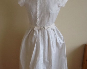 Pretty 1950's white embossed floral Shirt style dress, Audrey Hepburn style