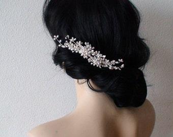 Bridal accessories. Bridal hair comb. Pearl Rhinestone hair comb. Wedding hair accessories. Bridal headpiece. Pearl bridal hair accessories.