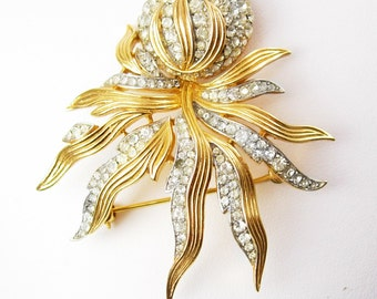 Trifari Pave Octopus Rhinestone Brooch Vintage Spider Flower Gold Holiday Christmas