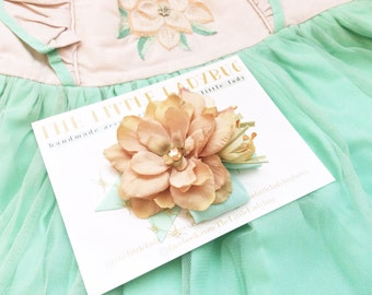 M2M Made to Match Well Dressed Wolf Mint and Magnolia Flower Clip, Mint Green, Tan, Gold