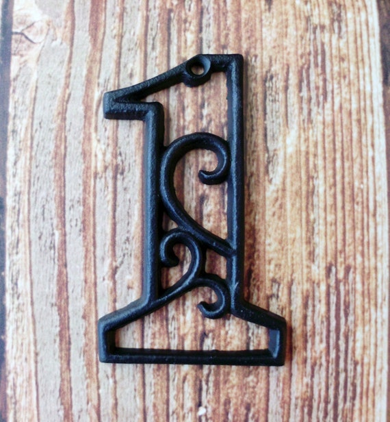 house number one cast iron wall hangers decorative victorian. Black Bedroom Furniture Sets. Home Design Ideas