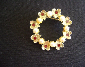 Gold tone Hearts with Red Rhinestones and Faux Pearls Brooch