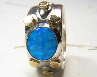 Chunky 10mm blue Opal ring, massive silver and 9k gold ring, statement ring, cocktail ring, Opal man made ring.