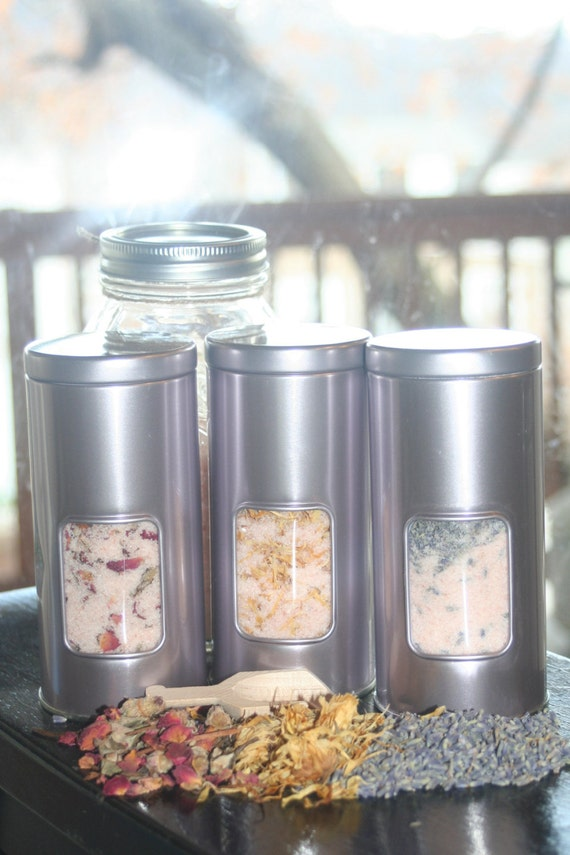 14oz  Himalayan Soaking Salt Tin- organic lavender buds- and essential oil