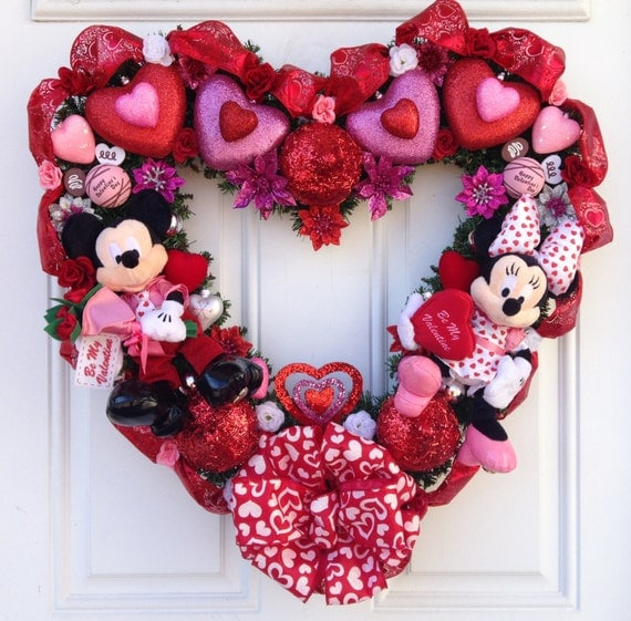 Valentine heart shaped wreath mickey and by sparkleforyourcastle
