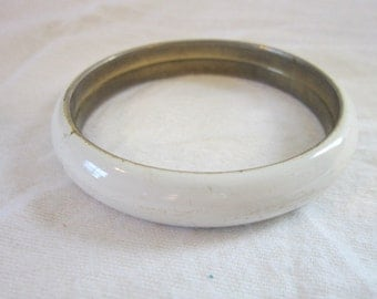 Vintage 60's White enameled Bangle Bracelet