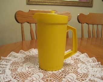 Vintage 1.5 qt. Sunshine yellow pitcher 1970,s