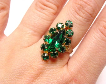 Vintage Green Rhinestone Cocktail Ring (size 7 8 9 50s 60s glass adjustable prong set emerald chrismas holiday st patrick wedding bridal)